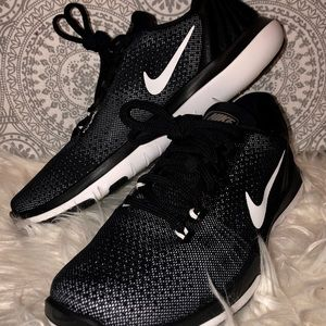 Nike Flywire Running Shoes